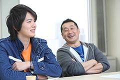 左から濱田龍臣、坂本浩一。