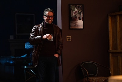 ヒュー・グラント演じるゲスな私立探偵フレッチャー。