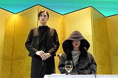 「響 -HIBIKI-」より、北川景子演じる花井ふみ(左)、平手友梨奈演じる鮎喰響(右)。