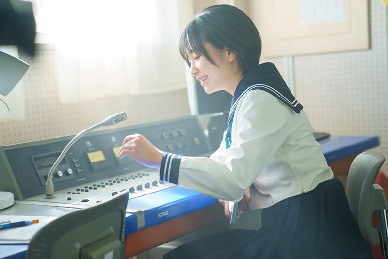 auスマートパスプレミアム マルチアングルドラマ「小夏の放送室〜先生との恋、卒業〜」特集