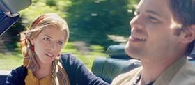 キャシーはドライブ中、自身の過去や恋愛の失敗談などを明かす。