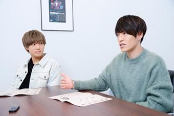 左から安井謙太郎、森田美勇人。