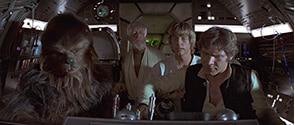 「スター・ウォーズ エピソード4/新たなる希望」より。ハン・ソロ(右)が操縦するミレニアム・ファルコン号で、ルーク(中央右)たちはレイアを救いに行く。