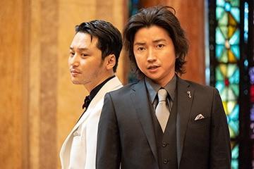 「太陽は動かない」より、ピョン・ヨハン演じるデイビッド・キム(左)。