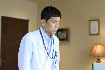 勝村政信演じる加地秀樹。