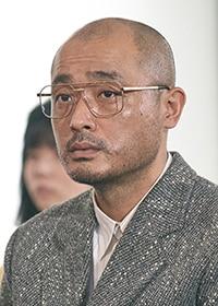宇野祥平演じる行島道夫。