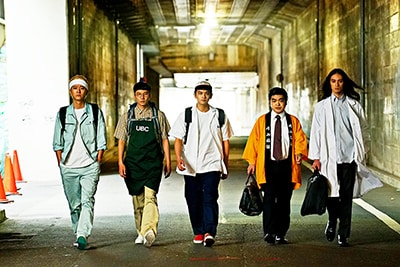 左から浅香航大演じる球児、前原滉演じるタカシ、北村匠海演じるアゲ太郎、加藤諒演じる満夫、栗原類演じる錠助。