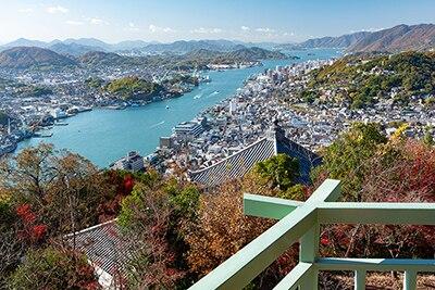 浄土寺山展望台からの眺め。尾道水道や尾道市街地が見える。(写真提供:おのなび)