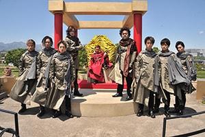 「劇場版 仮面ライダージオウ Over Quartzer」より、DA PUMP、斉藤秀翼(上段左)、パパイヤ鈴木(上段右)が演じる歴史の管理者・クォーツァー。