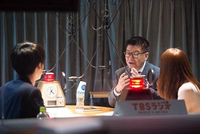 「ACTION」4月3日放送時にゲスト出演した生島ヒロシ(右から2人目)。