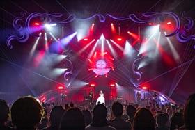 """「Aimer Hall Tour 18/19 """"soleil et pluie""""」の様子。"""