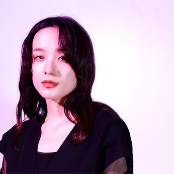 大澤実音穂(Dr)
