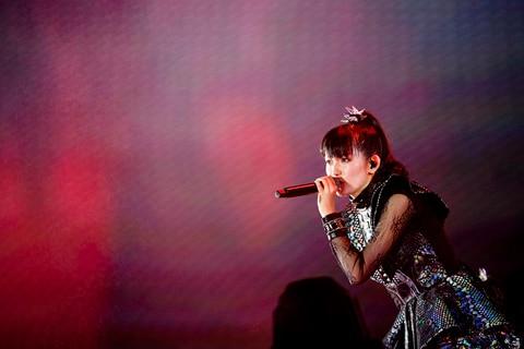 "SU-METAL(Vocal, Dance)(撮影:瀧本""JON...""行秀)"