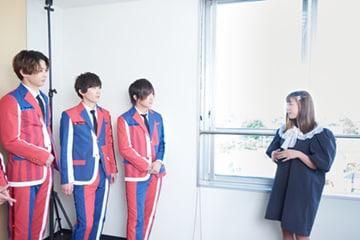 左からTAKA、春斗、綾介、福田花音。