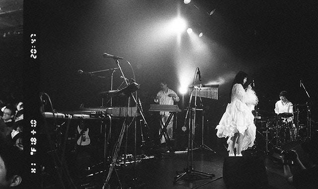 DAOKO「二〇二〇 御伽の三都市 tour」東京・LIQUIDROOM公演より。(撮影:馬場真海)