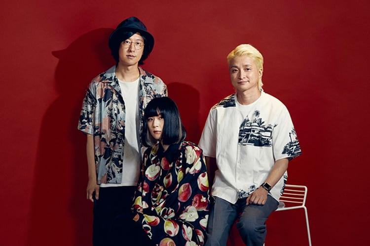 左からホリエアツシ、majiko、NAOTO。