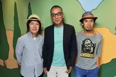 左から鈴木圭介(Vo)、福本伸行、グレートマエカワ(B)。