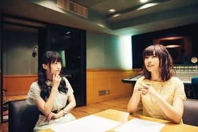 左から藤田咲、下田麻美。