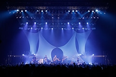 """「""""broken tower tour"""" 2015」最終公演の様子。"""
