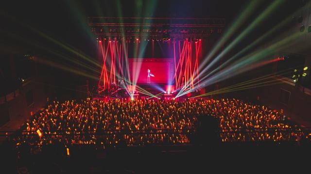 "「Kaede Higuchi 1st Live ""KANA-DERO""」の様子。©2017 Ichikara Inc."