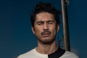 平井堅25周年イヤーを締めくくる約5年ぶりアルバム「あなたになりたかった」発売、シングル曲から新曲まで全曲を解説