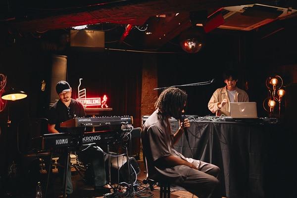 左からTAIHEI(Key / Suchmos)、Daichi Yamamoto、STUTS。