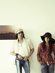 11thシングル「Aha!(All We Want)」のカップリング「Help !」のアーティスト写真(2006年発売)。