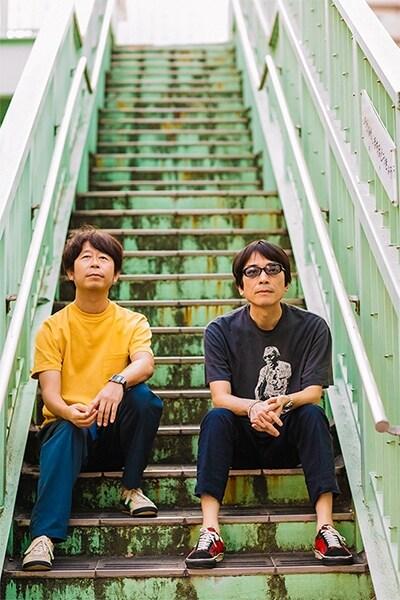 左から桜井秀俊、YO-KING。