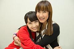 取材部屋に登場した百田夏菜子。