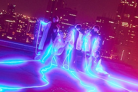 """「ヨルヤン」から鮮烈デビュー、""""多様声""""を操る若者の代弁者・mzsrz"""