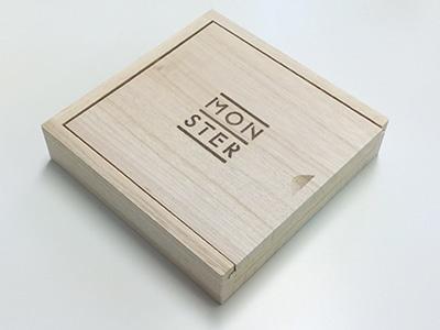 小谷美紗子「MONSTER」特別「木の箱」仕様盤