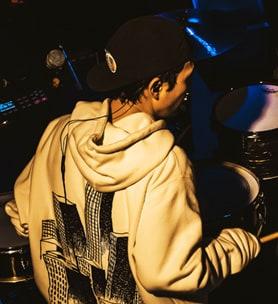 冨田洋之進(Dr)(Photo by Shin Ishihara)