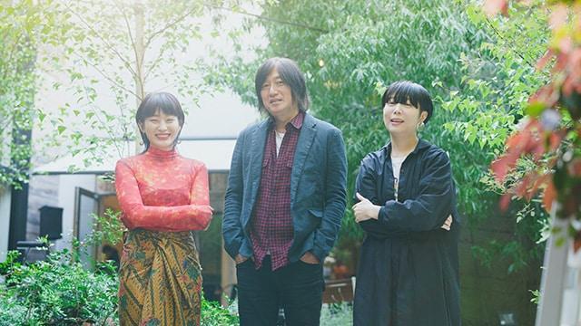 左からコムアイ、小林武史、Salyu。