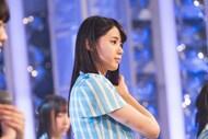 真剣な表情で収録に臨む瀧野由美子。