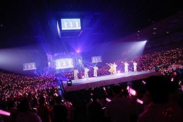 2017年9月に開催された田村ゆかりデビュー20周年公演「20th Anniversary 田村ゆかり LOVE ♡ LIVE2017 *Crescendo ♡ Carol*」の様子。(撮影:荒金大介)