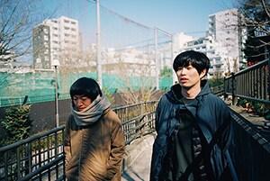 左からワタナベシンゴ(THE BOYS&GIRLS / Vo, G)、遠山大輔(グランジ)。