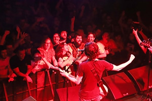 "「ADULT SWIM PRESENTS ""MONO ME YOU SUN TOUR""」ニューヨーク公演の様子。(写真提供:バッド・ミュージック)"