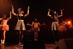2014年12月に行われたバニラビーンズ ワンマンライブの様子。