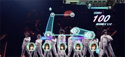 ゲーム内「欅坂46 夏の全国アリーナツアー2018」より「ガラスを割れ!」のワンシーン。