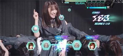 ゲーム内「欅坂46 3rd YEAR ANNIVERSARY LIVE」より「危なっかしい計画」のワンシーン。