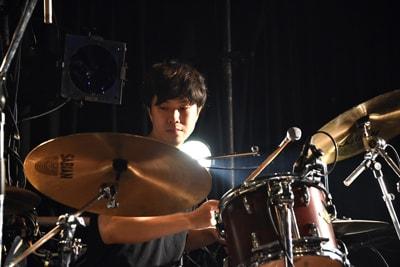 山下賢(Dr / Mop of Head、Alaska Jam)
