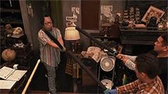 シーズン4より、殺陣を見せる岸大介(ダイアン西澤)。