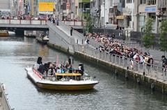 昨年2013年11月に開催された「ニコニコ町会議 in 大阪なんば」の様子。