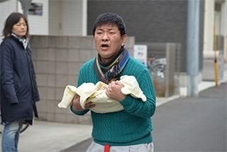 「東京アディオス」より。チャンス大城出演シーン。