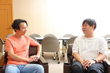 左から今井朋彦、小野晃太朗。