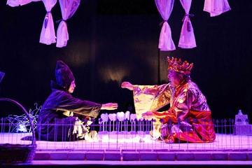劇団うりんこ+三浦基+クワクボリョウタ「幸福はだれにくる」より。(Photo:Yoshiyasu Hattori)