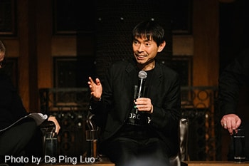 トークイベント中の宮城聰。(Photo by Da Ping Luo)