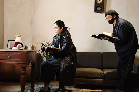 左からさえ(OriHime)、藤野涼子、大金康平。