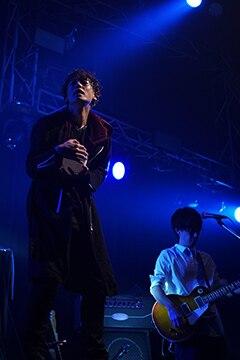 2ndライブ「SECOND」より福士誠治(左)。