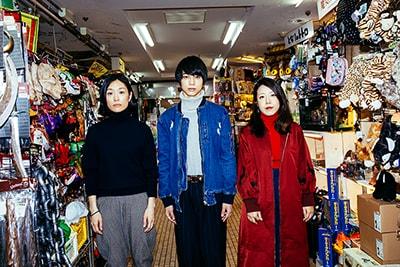 左から吉本菜穂子、三津谷亮、山田佳奈。